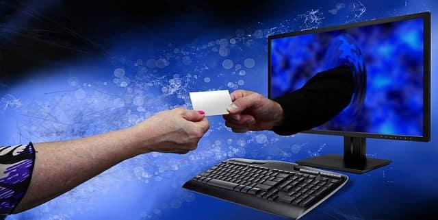 Sharing info online - Online vs offline identity, who am I